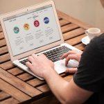 Werken op laptop met RAD